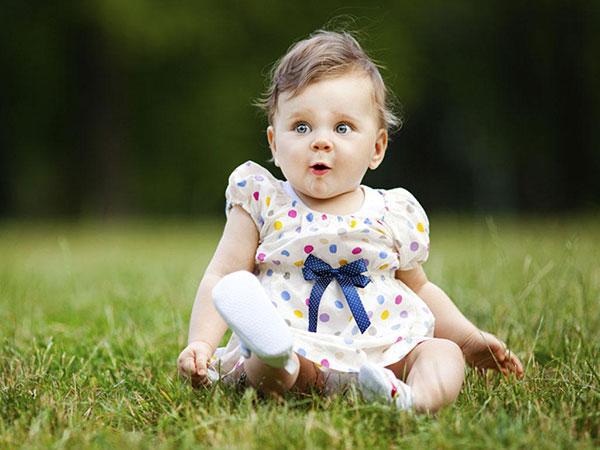عکس دختر بچه در طبیعت