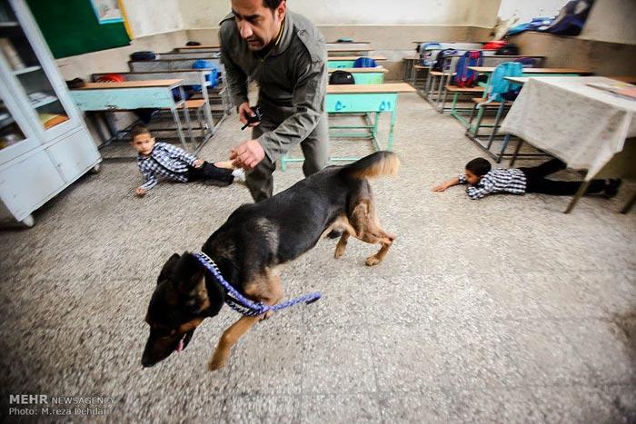 مانور زلزله در مدرسه