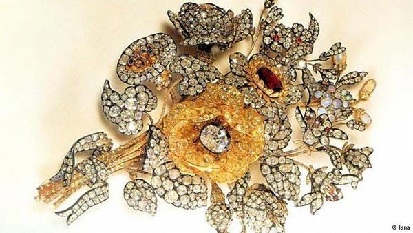 گل سینه، زمان ساخت: قرن ۱۹ میلادی