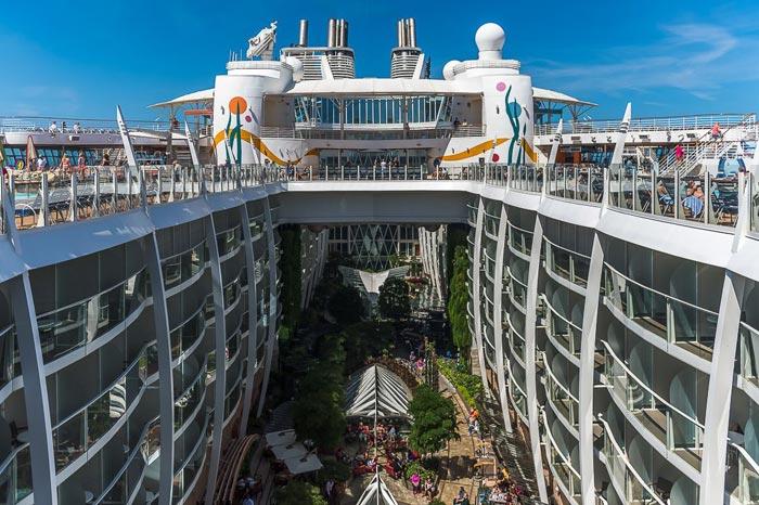 بزرگ ترین کشتی مسافربری دنیا