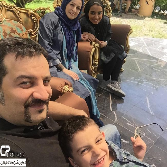 شقایق دهقان با همسرش محراب قاسم خانی و فرزندانشان