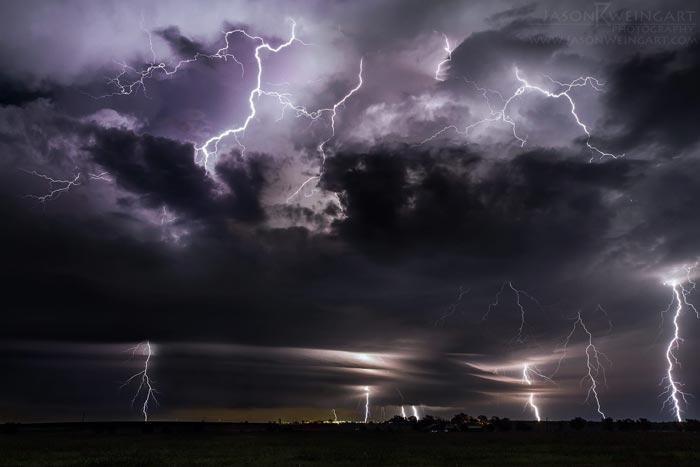 عکس رعد و برق در شب