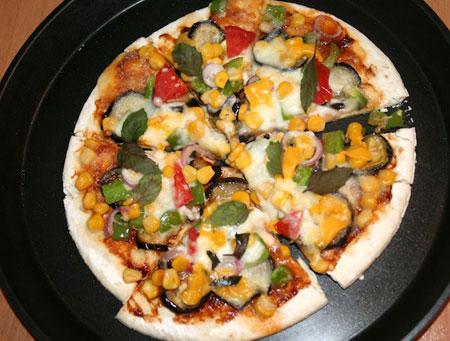 طرز تهیه پیتزا سبزیجات بادمجان در خانه