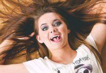 عکس دختر شاد و پرانرژی برای پروفایل