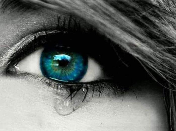 تعبیر خواب گریه کردن و اشک ریختن
