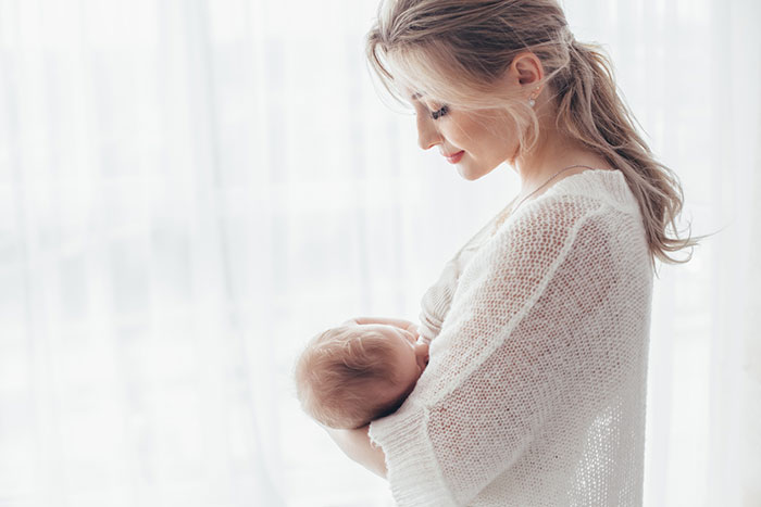 تعبیر خواب شیر دادن به نوزاد