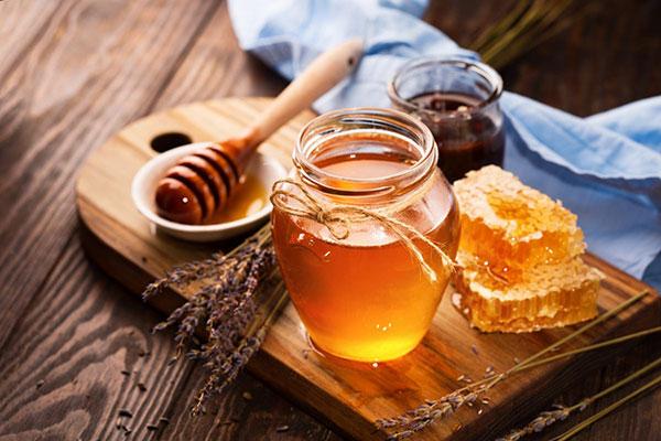 عسل طبیعی تنها ماده غذایی است که هرگز فاسد نمی شود