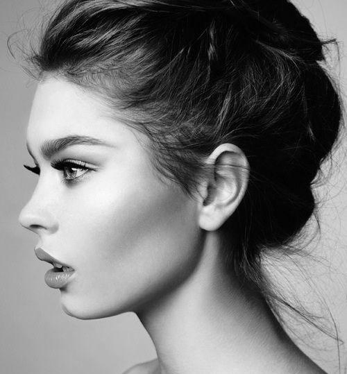 عکس دختر از نیمرخ برای پروفایل