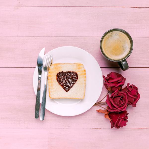 عکس تزئین صبحانه عاشقانه