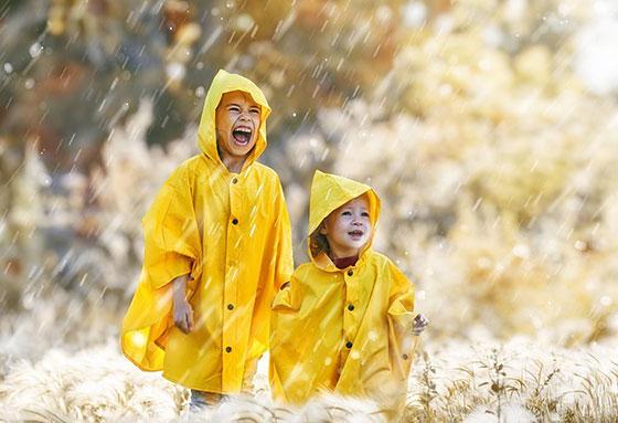 انشا درباره توصیف یک روز بارانی بدون چتر